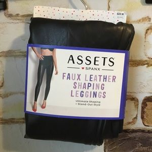 Spanx Assets All Over Faux Leather Legging Medium